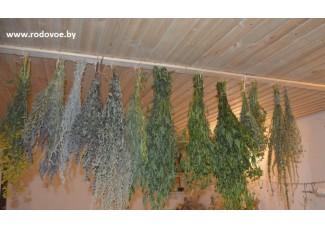 Травы: василек луговой + зюзник + лабазник + пустырник + омела + чистотел + дербенник + донник + вереск + сабельник + репешок + кипрей + осина.